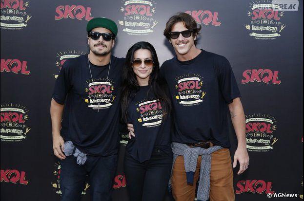 Caio Castro, Cleo Pires, Rômulo Neto e outros famosos curtem os últimos shows do Lollapalooza, neste domingo, 6 de abril de 2014