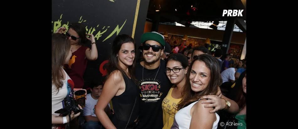 Caio Castro fez sucesso entre os fãs durante o último dia de Lollapalooza