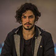 """Novela """"Velho Chico"""": Miguel (Gabriel Leone) ameaça matar Afrânio (Antonio Fagundes)"""