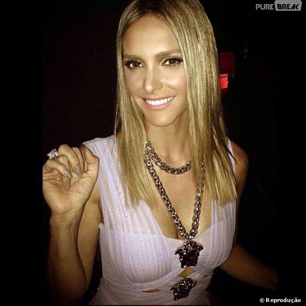 """Fernanda Lima usa vestido de R$ 18 mil igual ao de Lady Gaga em estreia de """"SuperStar"""", na noite deste domingo, 6 de abril de 2014"""