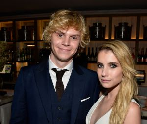 """Emma Roberts e Evan Peters já atuaram juntos em """"American Horror Story"""""""