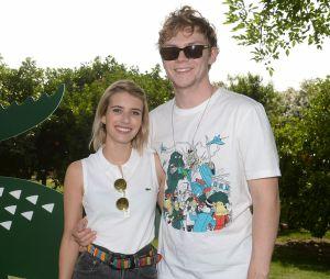 Após 4 meses do fim do noivado, Emma Roberts e Evan Peters voltam a ser vistos juntos