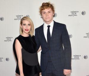 Fãs do casal Emma Roberts e Evan Peters torcem por reconciliação