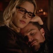 """Em """"Arrow"""": na 5ª temporada, Oliver (Stephen Amell) e Felicity continuam separados na nova fase!"""