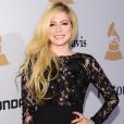 Avril Lavigne é uma baixinha de 1,58m