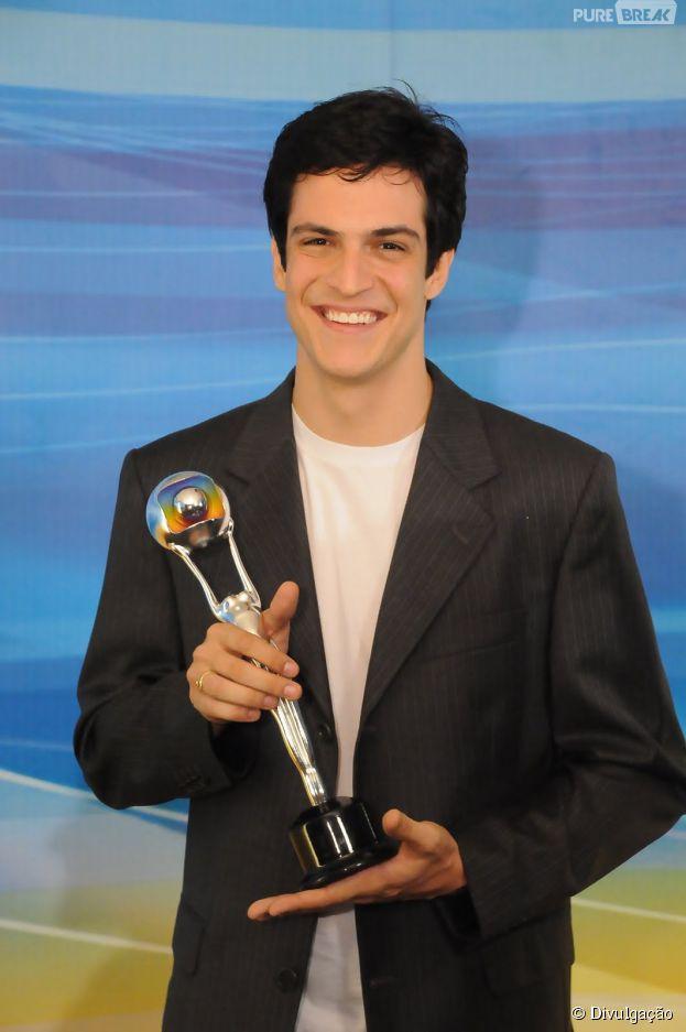 Mateus Solano ganha da Globo um anos de férias para preservar a imagem