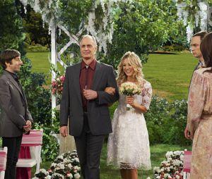 """Penny(Kaley Cuoco) eLeonard(Johnny Galecki) se casam novamente em""""The Big Bang Theory"""""""