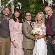 "Penny (Kaley Cuoco) e Leonard (Johnny Galecki) resolveram renovar os votos de casamento em ""The Big Bang Theory"""