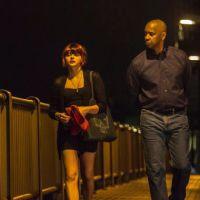 """Chloë Moretz surge como garota de programa em foto de """"O Protetor"""""""