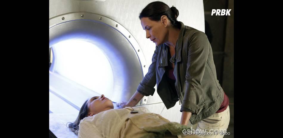 """Em """"Além do Horizonte"""", Tereza (Carolina Ferraz) já colocou várias pessoas na máquina"""