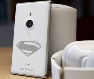 """Nokia """"Superman"""" promete revolucionar as """"selfies"""" com sua poderosa câmera frontal"""