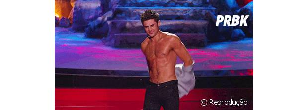 Zac Efron With His Shirt Off