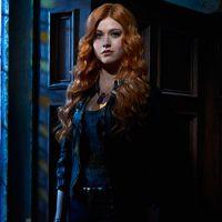 """De """"Shadowhunters"""": na 2ª temporada, Clary, Jace, Simon e mais em novas fotos oficiais! Confira"""