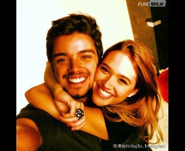 """Juliana Paiva e Rodrigo Simas desmentem rumores de namoro: """"Morremos de rir!"""""""