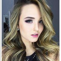 """Larissa Manoela dança Justin Bieber com Ingrid Guimarães para divulgar o filme """"Fala Sério, Mãe!"""""""