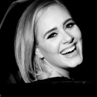 """Adele faz revelação sobre o álbum """"21"""" em entrevista e conta que escreveu o CD completamente bêbada"""