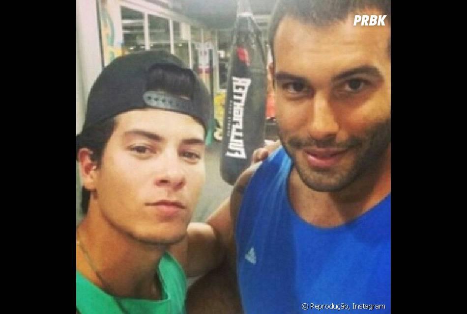Treino intenso! Arthur Aguiar só descansa no domingo! Ele está treinando muay thai seis vezes por semana