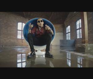 """MC Guime se declara para Lexa no clipe do single """"Fato Raro"""""""