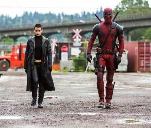"""Brianna Hildebrand aparece ao lado de Ryan Reynolds, em """"Deadpool"""""""