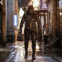 """Em """"Arrow"""": na 5ª temporada, ataque de Prometheus é destaque na nova sinopse!"""