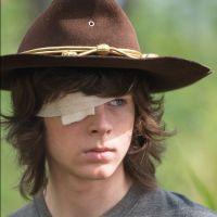 """De """"The Walking Dead"""": Carl (Chandler Riggs) pode sair da série? Pai do ator indica que sim!"""