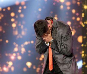 """Cristopher Clark se emociona após ser anunciado como campeão do """"X Factor Brasil"""""""