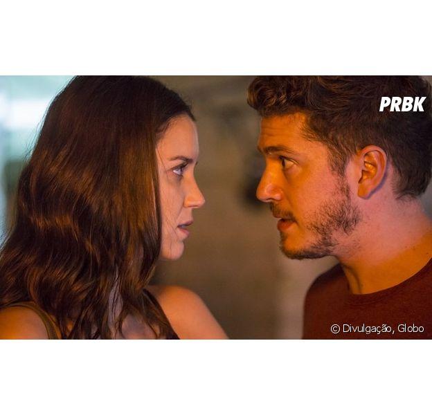 """Em """"Rock Story"""": Júlia (Nathalia Dill) é ameaçada com um canivete por Alex (Caio Paduan)!"""
