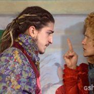 """Em """"Meu Pedacinho de Chão"""": Ferdinando é chamado de """"covardão"""" por Gina"""