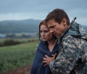 """Amy Adams e Jeremy Renner contracenam em """"A Chegada"""""""