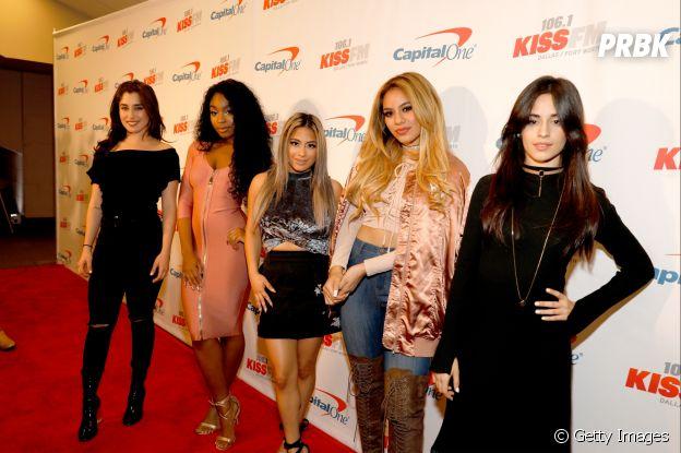 Integrantes do Fifth Harmony exibem looks no tapete vermelho do Jingle Ball 2016