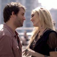 """""""Geração Brasil"""": Megan (Isabelle Drummond) e Davi (Humberto Carrão) se beijam"""