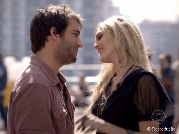 """Em """"Geração Brasil"""", Megan (Isabelle Drummond) vai beijar Davi (Humberto Carrão) escondida no reality show"""