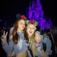 """Larissa Manoela curte noite na Disney com Mharessa Fernanda, parceira em """"Cúmplices de um Resgate""""!"""