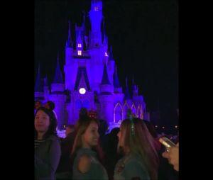 """Larissa Manoela e Mharessa Fernanda, de """"Cúmplices de um Resgate"""", se divertem na Disney"""