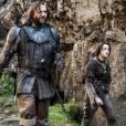 """Na quarta temporada de """"Game of Thrones"""": Quais perigos a Vila Toupera reserva para Arya (Maisie Williams) e Cão de Caça (Rory McCann)?"""