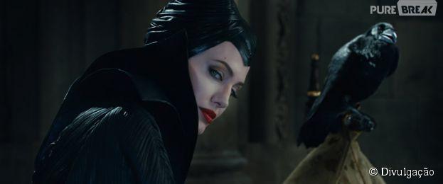 """Angelina Jolie topou o desafio de representar a bruxa da Disney em """"Malévola"""""""