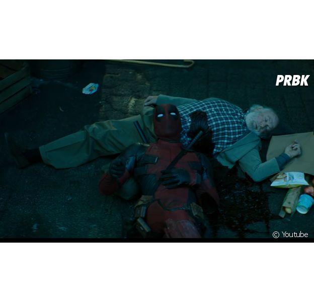 Deadpool (Ryan Reynolds) sendo sempre muito comediante!