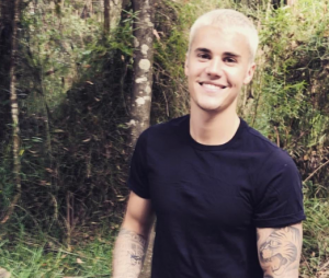 Justin Bieber chega ao Brasil na próxima quarta-feira (29)