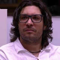 """Do """"BBB17"""", Ilmar é eliminado com 55% dos votos e detona Emily: """"Ela é mesmo um verme!"""""""