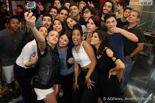 """Elenco de """"Malhação Sonhos"""" se reúnem em coletiva de imprensa, no Rio de Janeiro"""