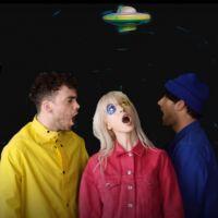 """Paramore lança clipe novo, """"Hard Times"""", e anuncia data de lançamento do próximo álbum!"""