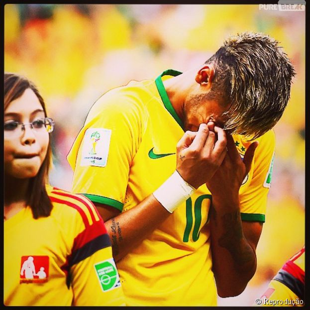 """Neymar comena choro durante o Hino Nacional: """"vivi hoje uma das maiores emoções da minha vida"""""""