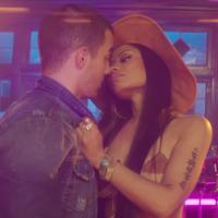 """Joe Jonas e Nicki Minaj lançam clipe de """"Kissing Strangers"""", da DNCE, e surgem cheios de ousadia!"""