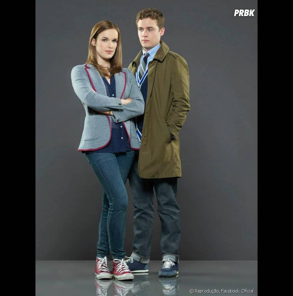 Elizabeth Henstridge e Iain De Caestecker são os gênios agentes Jemma Simmons e Leo Fitz.