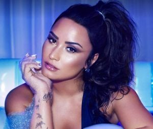 "Demi Lovato na capa de seu novo single ""Sorry Not Sorry"""
