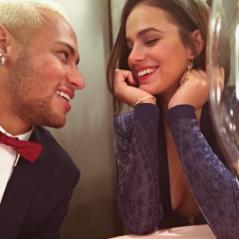 """Bruna Marquezine se irrita com fãs após comentários sobre Neymar: """"Parem de me marcar"""""""