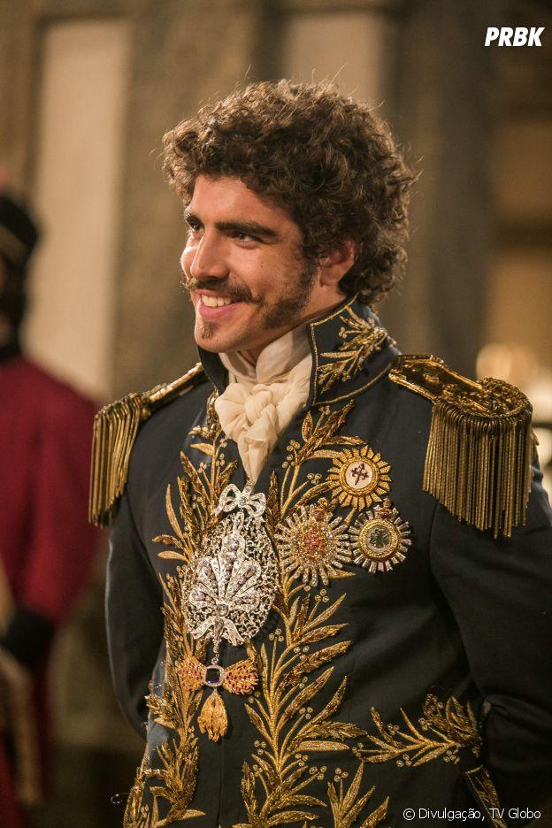 "Na novela ""Novo Mundo"", Dom Pedro (Caio Castro) é o alvo do amor de Leopoldina (Leticia Colin) e Domitila (Agatha Moreira)"