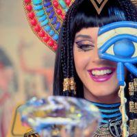 """Katy Perry é acusada de bruxaria e plágio em """"Dark Horse"""" por rapper cristão"""