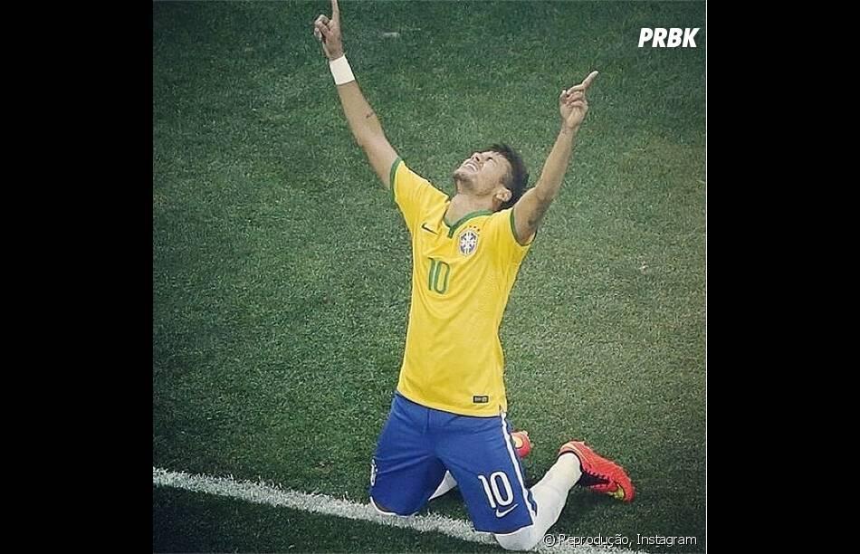 Neymar em momento de agradecimento na Copa do Mundo 2014