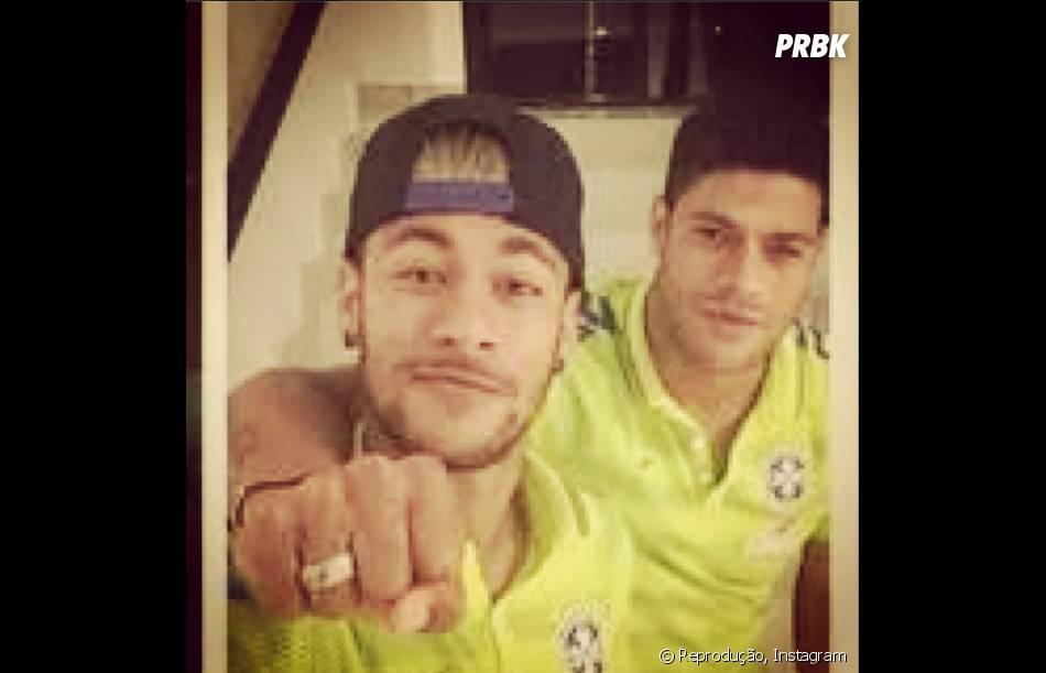 Hulk publica foto ao lado de Neymar, no Instagram